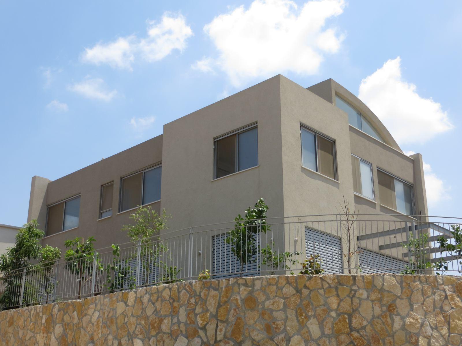 תכנון בתים. גג מקומר