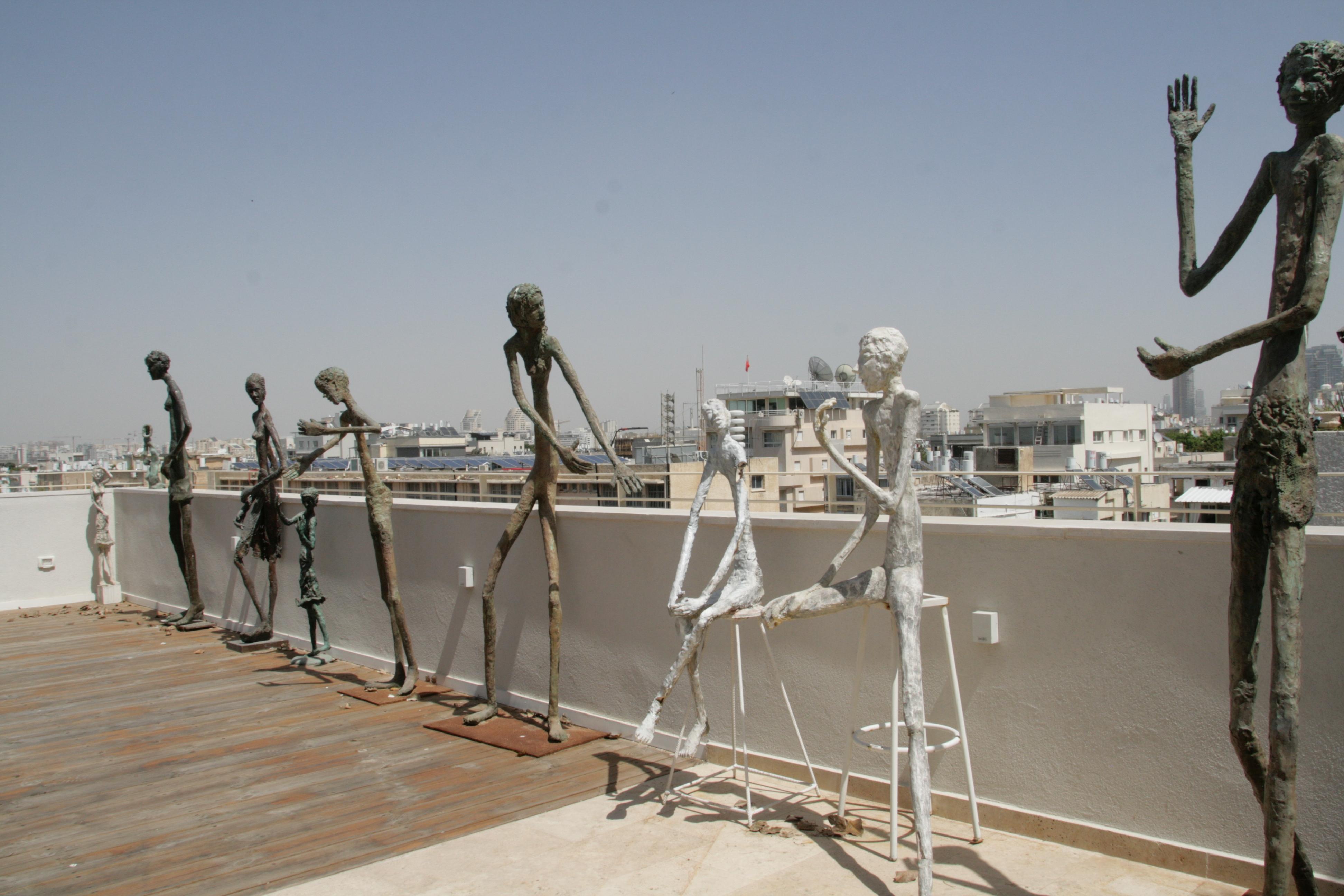 מרפסת גג בדירה בתל אביב
